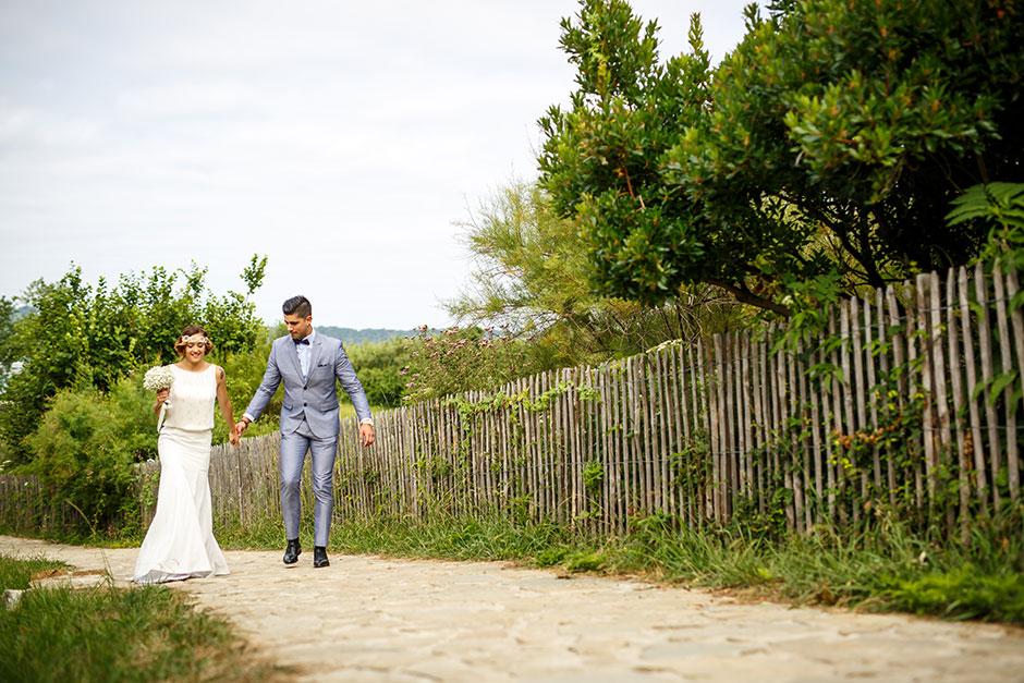 novios llegando al reprotaje de boda fotografo de bodas en guipuzcoa