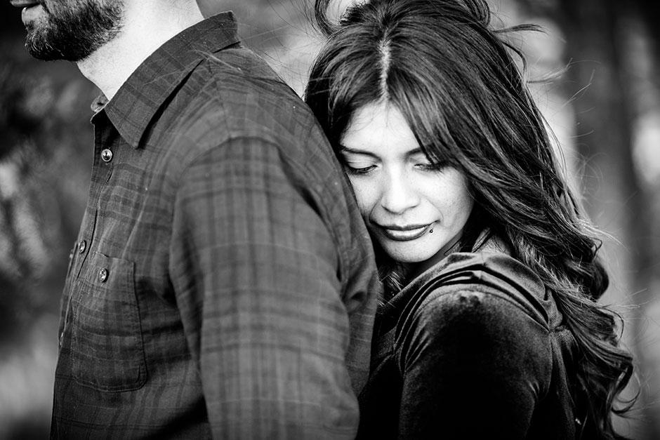 en blanco y negro retrato de una pareja reportaje de pareja en irun