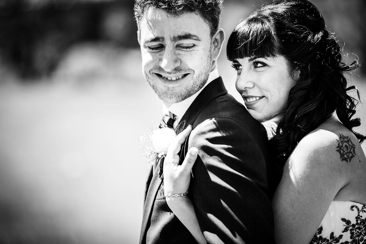 reportaje de los novios miradas complices fotógrafos de boda en gipuzkoa
