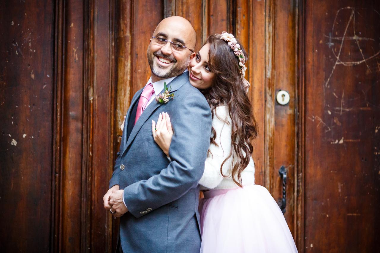 boda en san sebantian pareja mirandose a lo ojos
