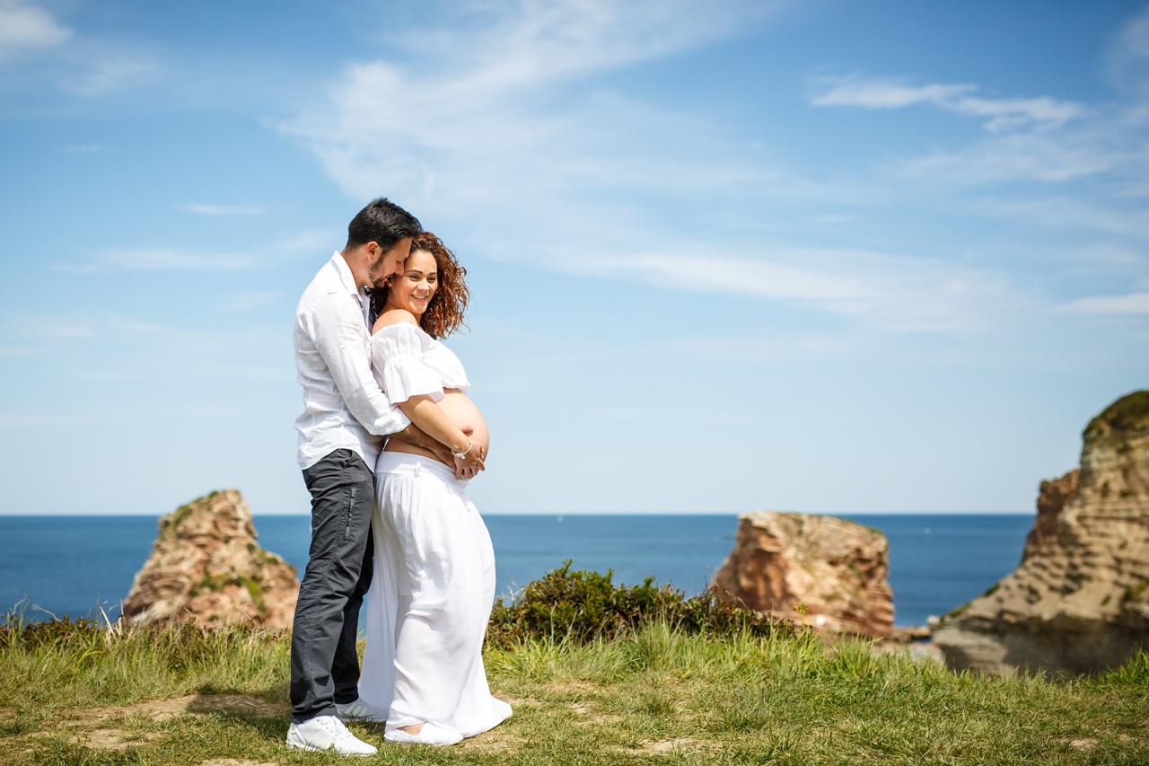 reportaje y sesión de embarazo de una pareja con hija embarazados