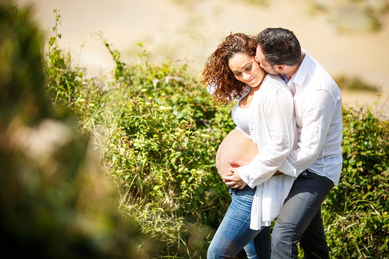 fotografia de embarazo embarazada con su marido