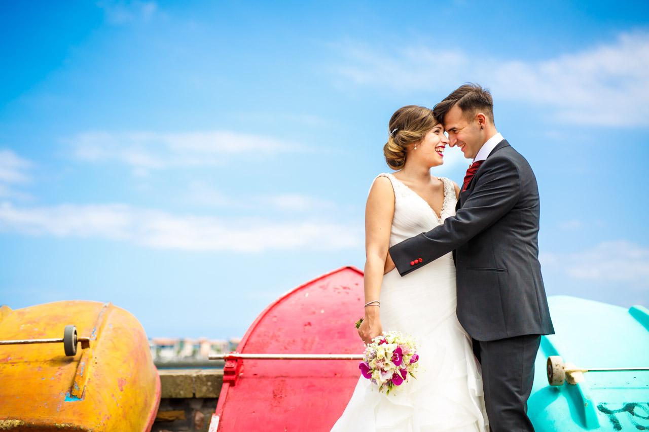 reportaje de pareja en hondarribia barcos boda en irun fotografos en gipuzkoa