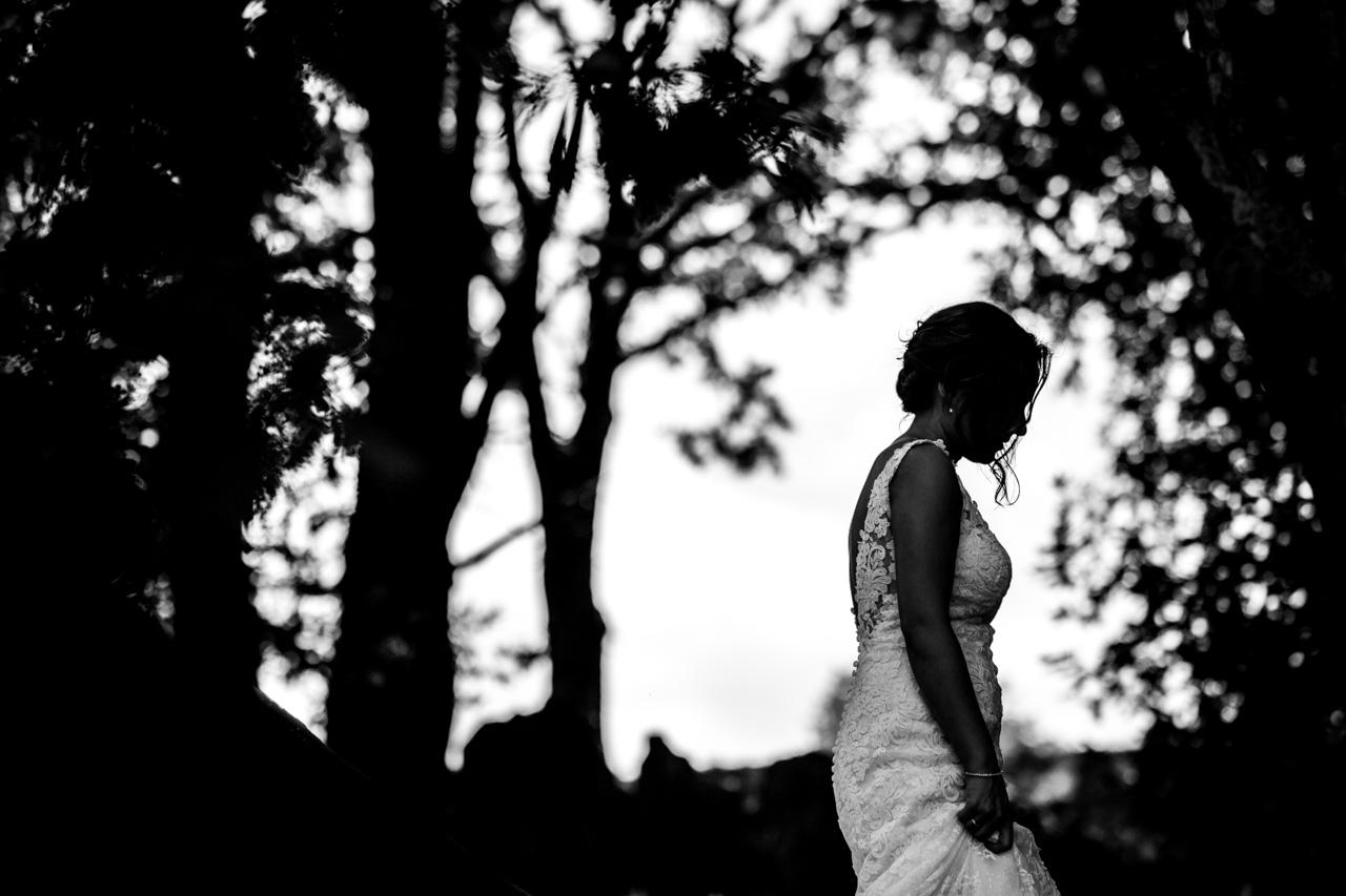 la novia durante el reportaje en una boda en guadalupe