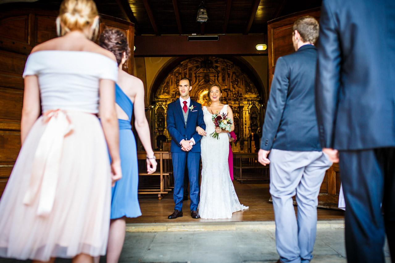 amigos bailando en una boda en guadalupe
