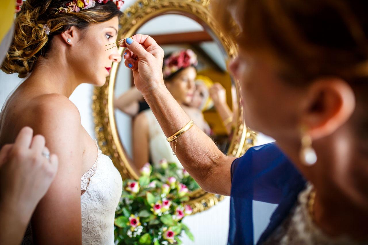 ultimos preparativos de la novia en una boda en oiartzun