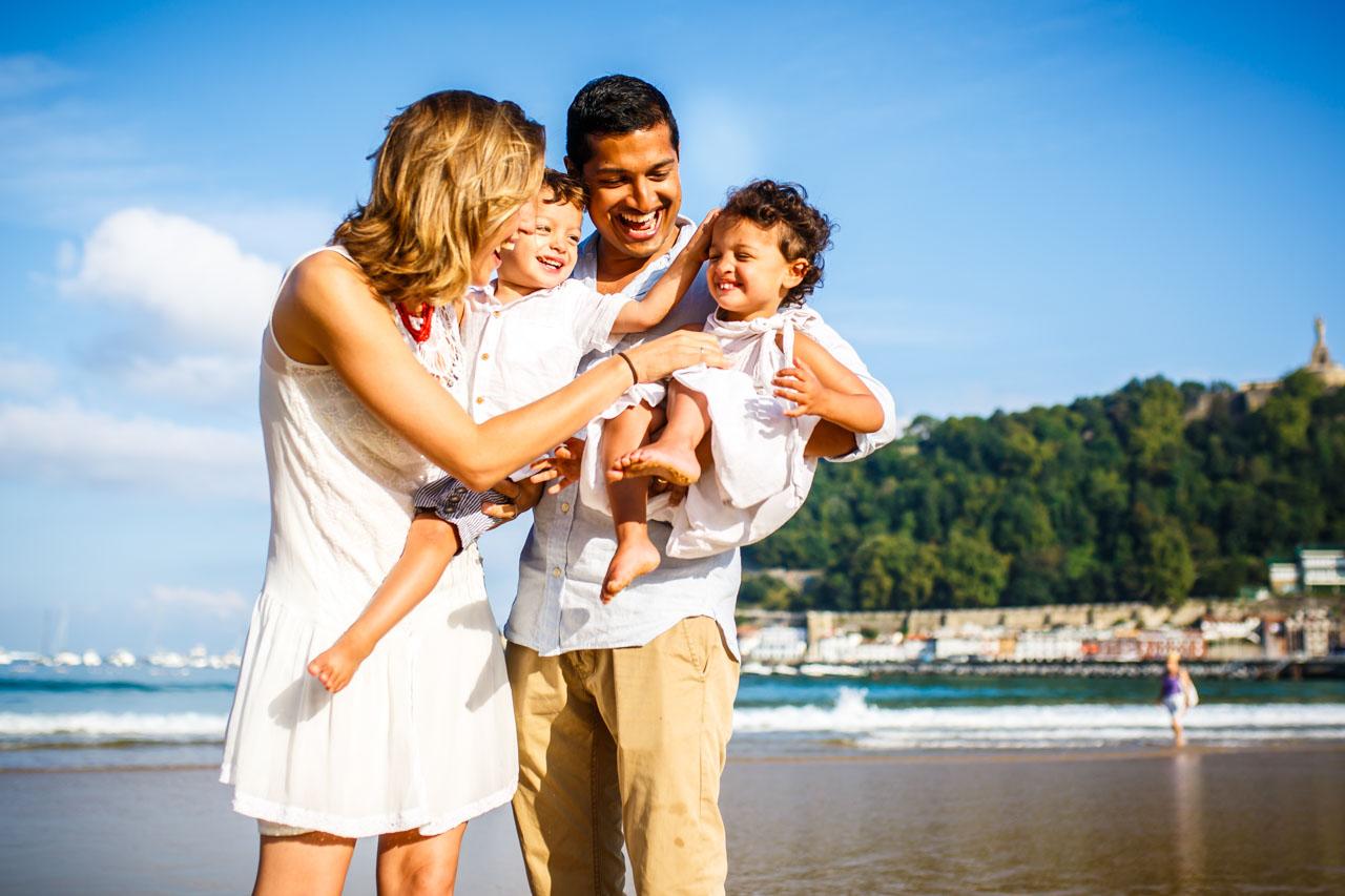 Reportaje de familia en Donosti – San Sebastian | Indo and family